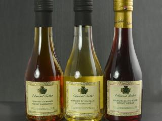 Vinaigre de vin blanc aromatisé à la noix
